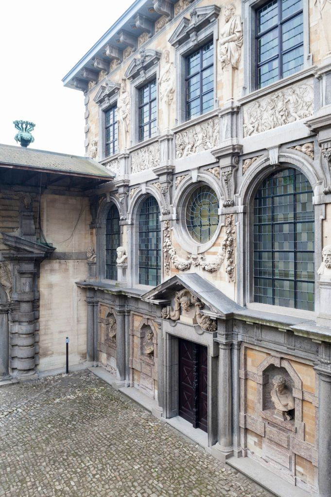Belgium, Antwerp, southern facade of the courtyard