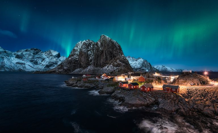 Dancing over Hamnoy