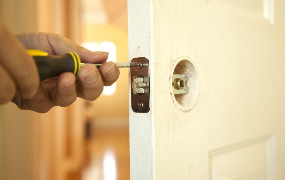 Installing a Hollow Core Door