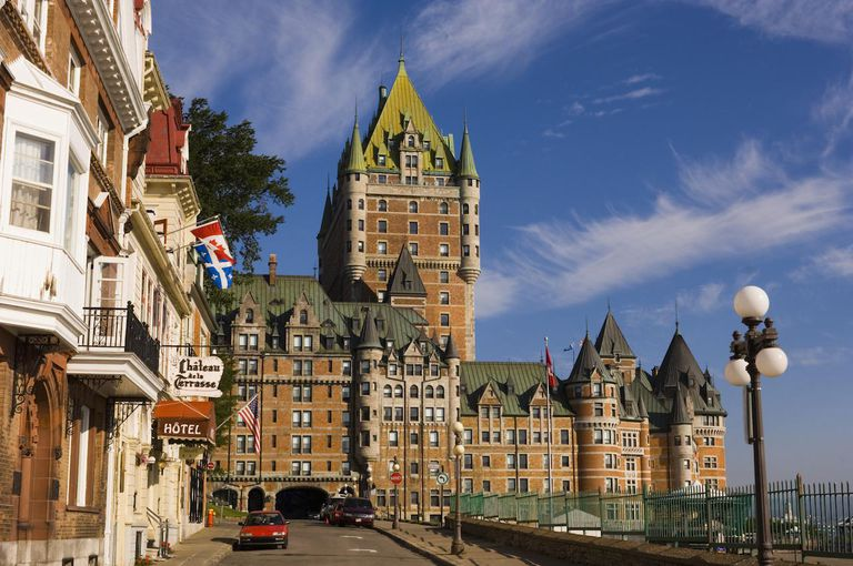 Canada, Quebec, Quebec City, Chateau Frontenac Hotel and street scene
