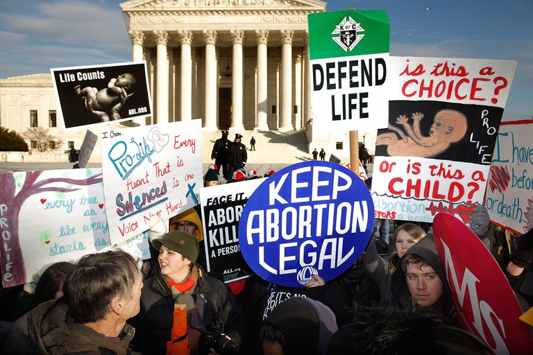 Supporters and Protesters Mingle at the March for Life