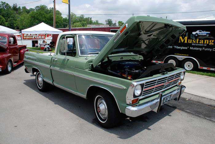 1968 Ford F-100 Ranger Truck