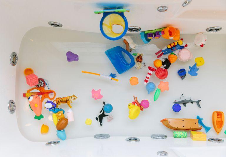 Plastic bath toys