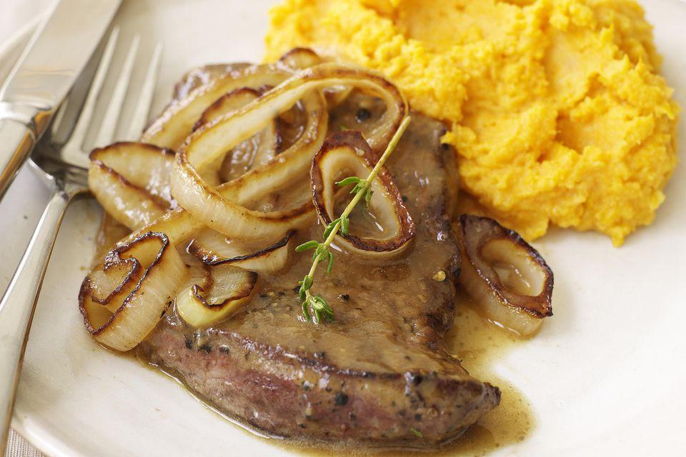 Pork chop with gravy
