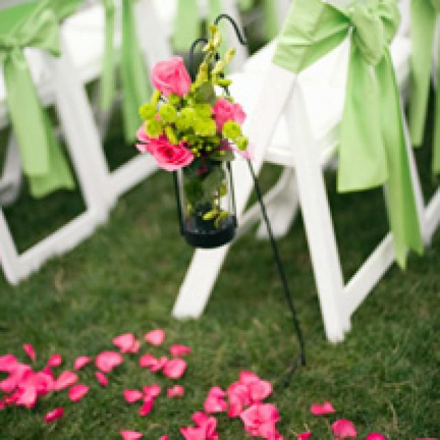 How to Decorate a Wedding on a Budget
