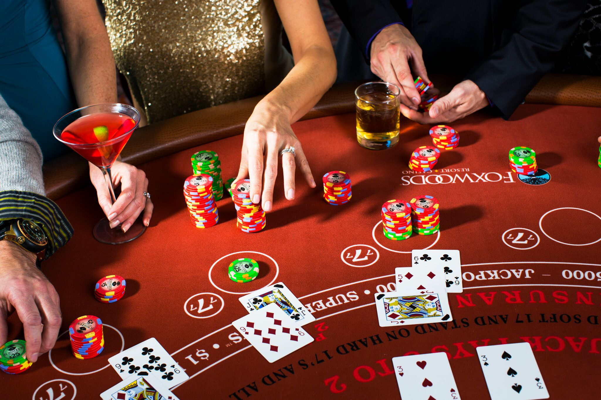 How to Play Poker in a Casino