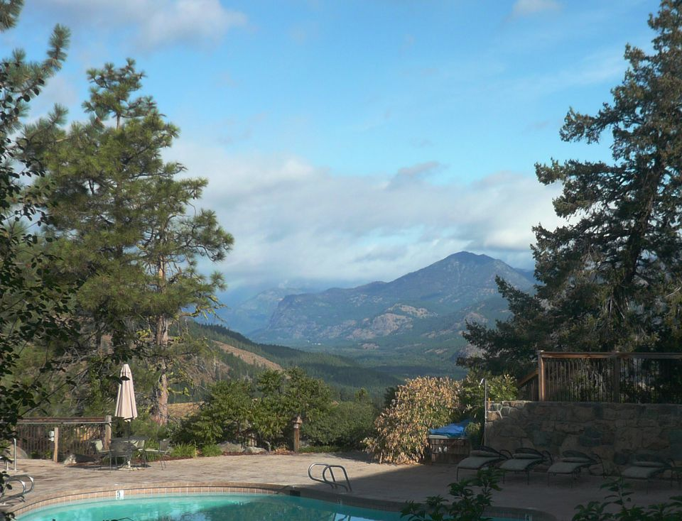 Photo of Mountain View from Pool at Sun Mountain Lodge in Winthrop, Washington