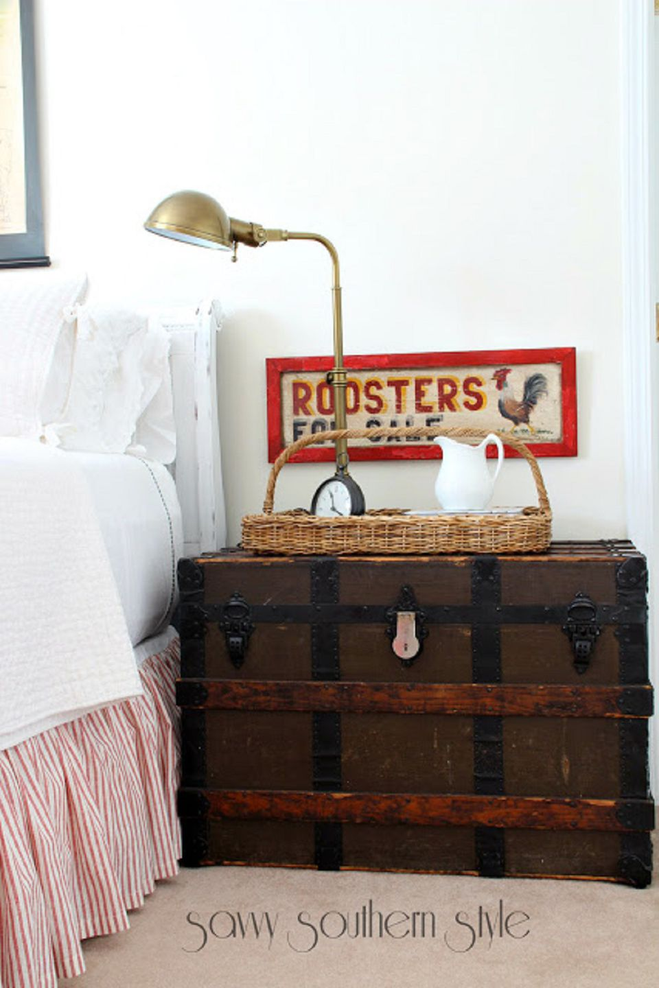 Country bedroom with rooster sign
