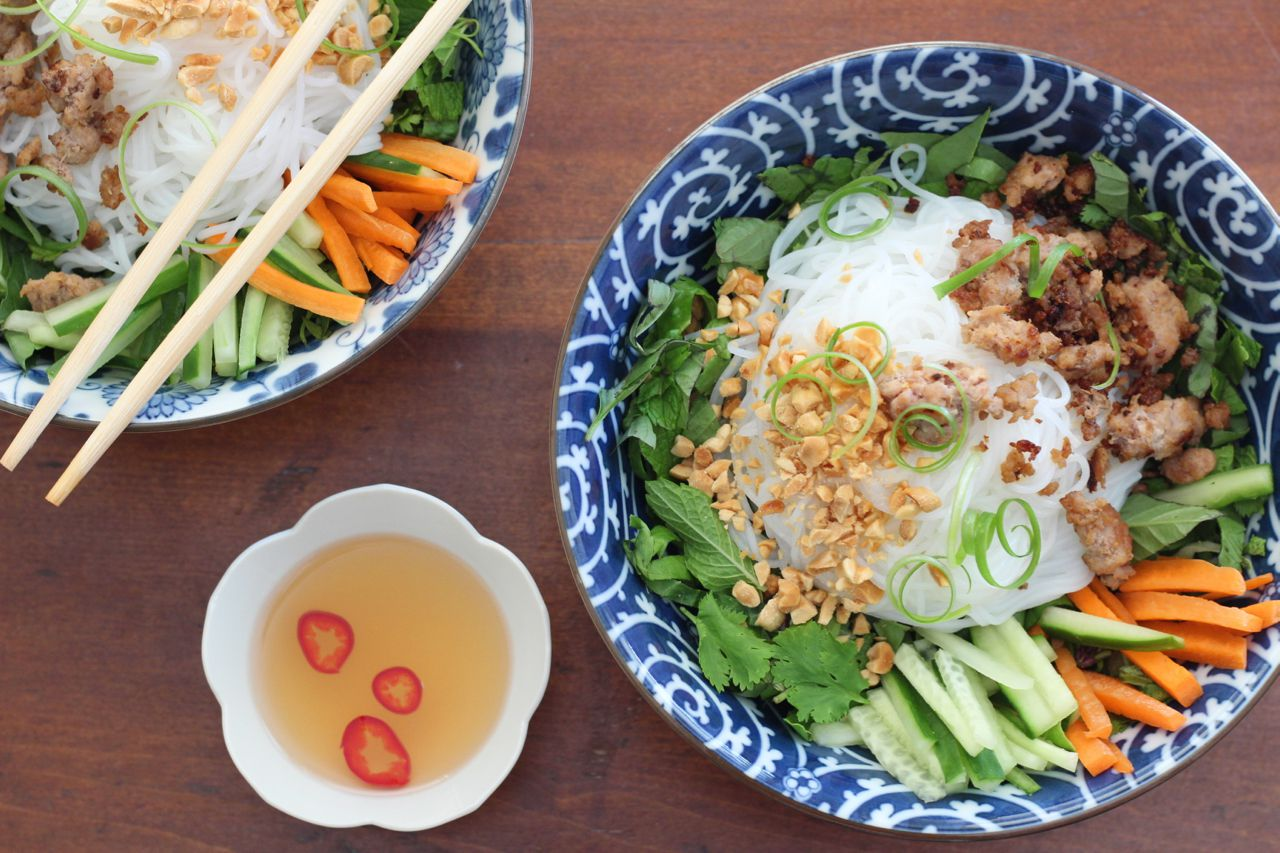 Vietnamese Vermicelli With Sweet-Chile Sauce and Caramelized Pork