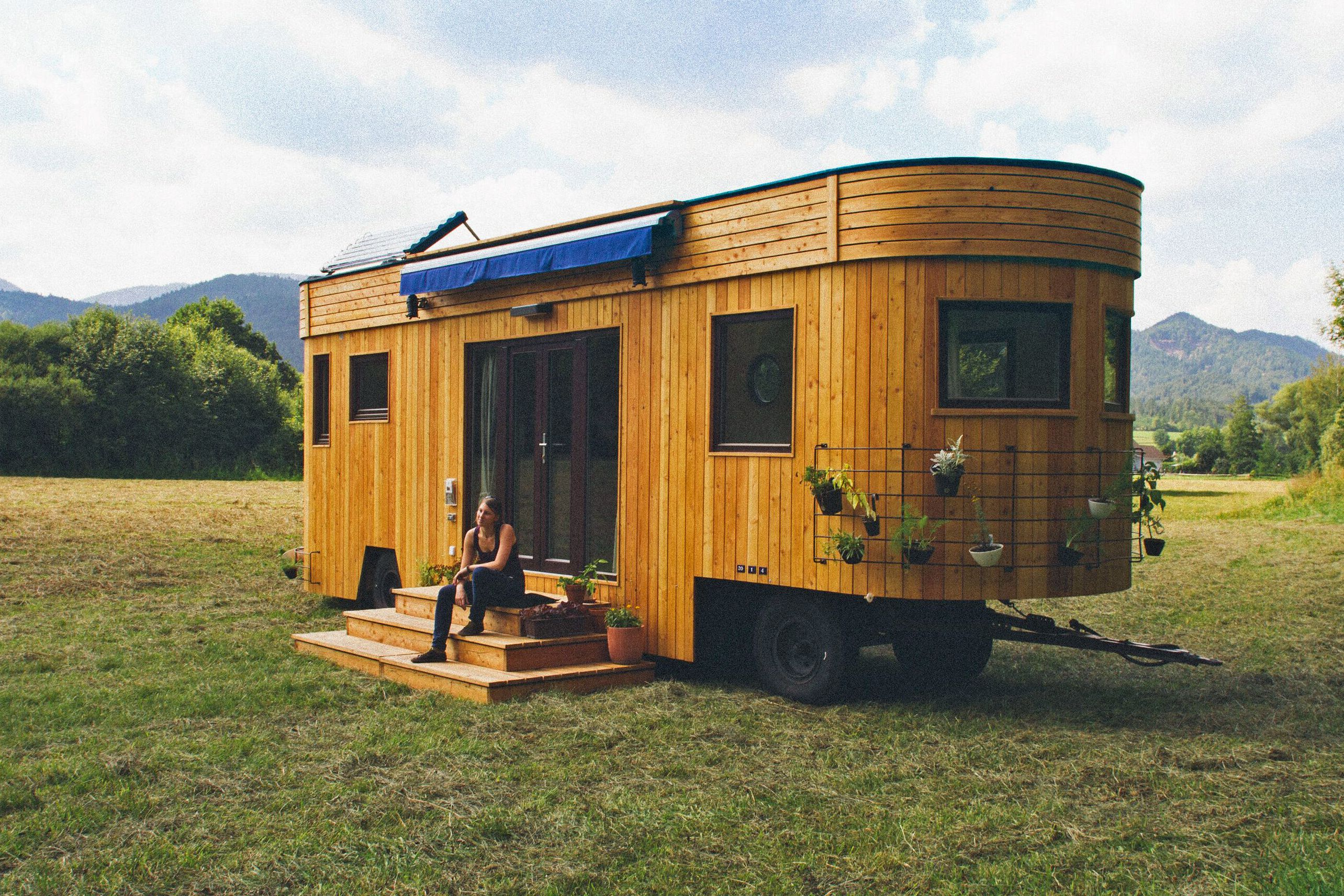 11 ingenious tiny homes that rocked our world. Black Bedroom Furniture Sets. Home Design Ideas