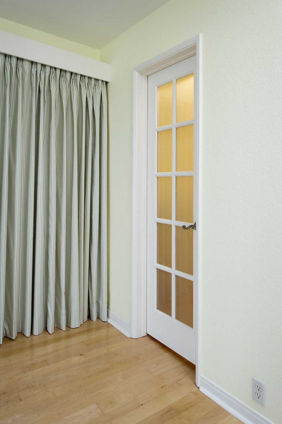 Closet Door Ideas For Small Space Home Design Interior