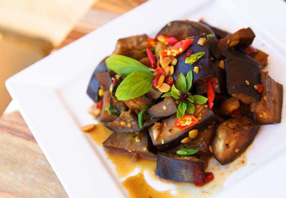 Easy amazing thai stir fried eggplant easy stir fried eggplant recipe vegan friendly forumfinder Choice Image