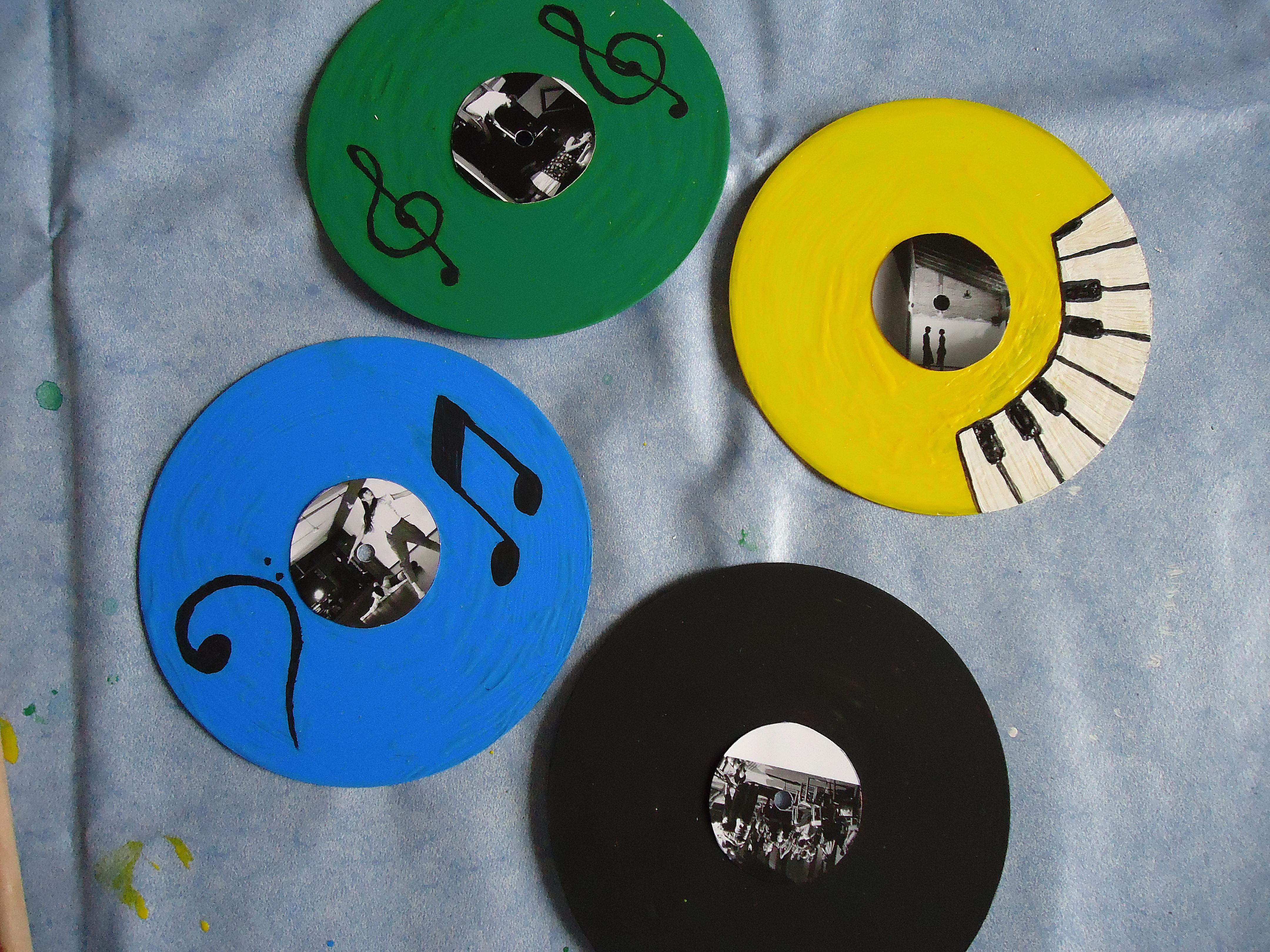 CDs reciclados pintados y decoradoscorados