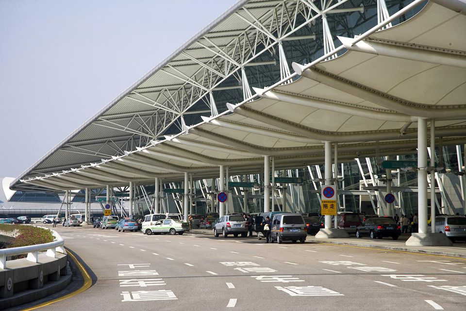 how to get from airport to guangzhou