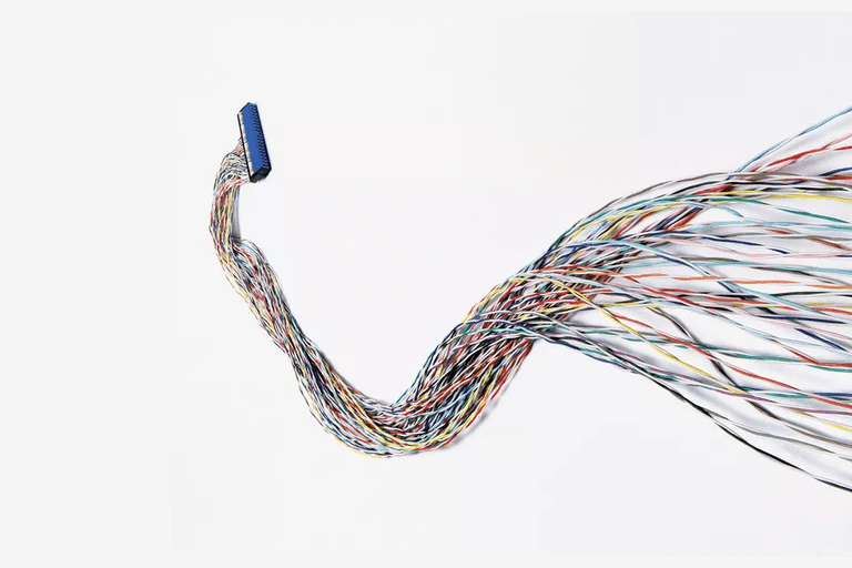 Picture of a long IDE cable