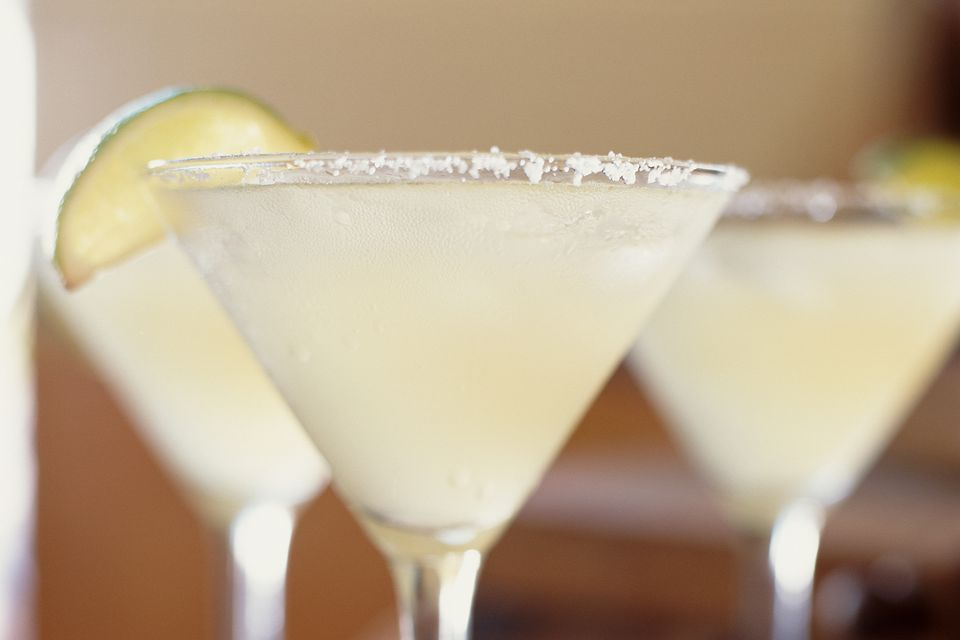 Cadillac margarita recipe with reposado tequila for Easy drinks with tequila