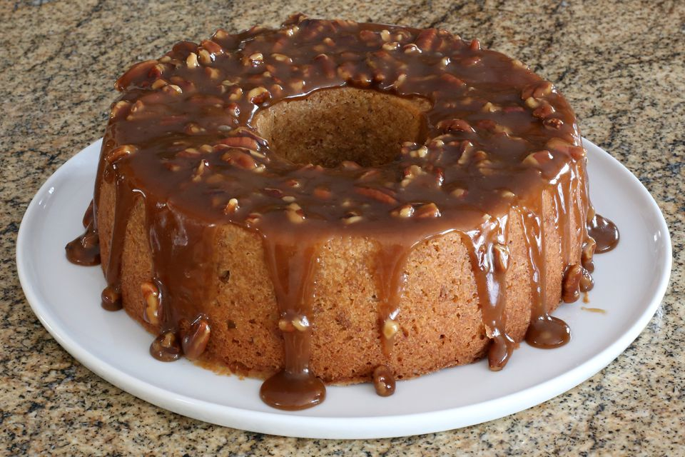 vanilla wafer cake with butter pecan glaze