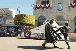 Bat attack ... Batman and Catwoman