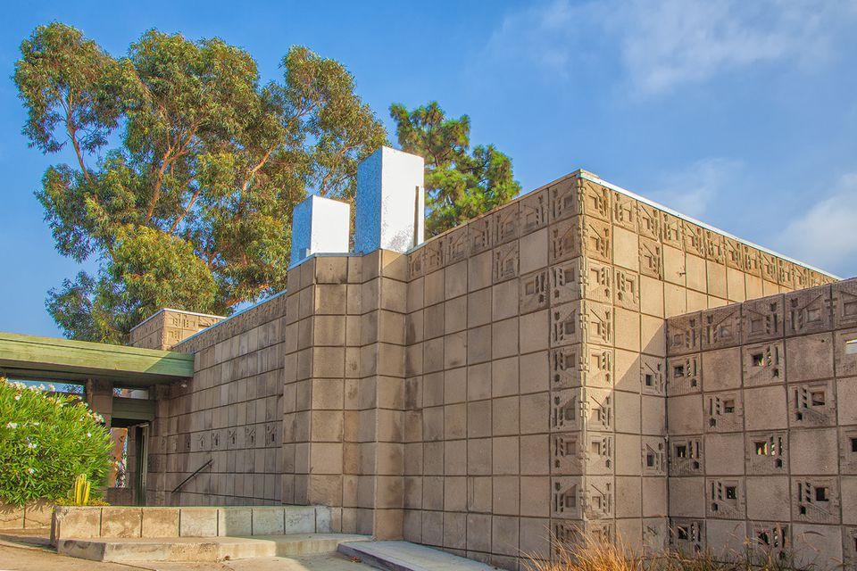 Freeman House: Frank Lloyd Wright In Los Angeles