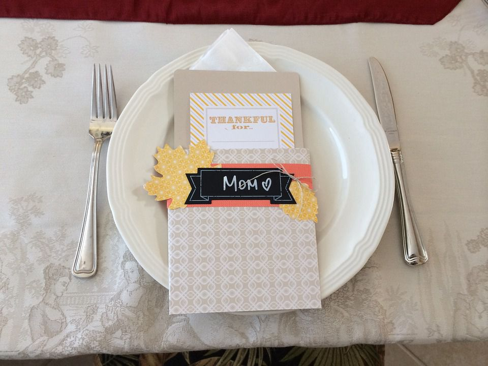 Thanksgiving Decor Ideas for the Kid\'s Table