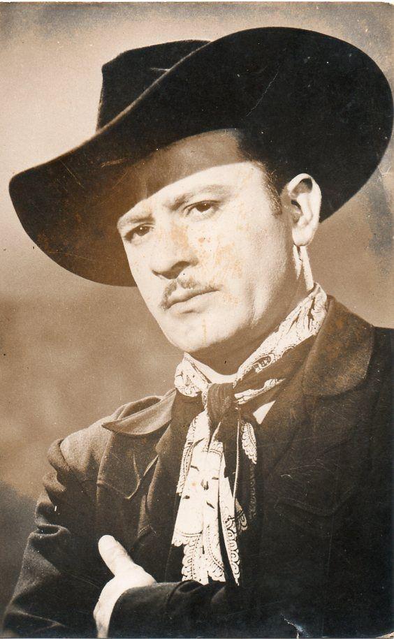 Pedro Infante, actor y cantante mexicano.
