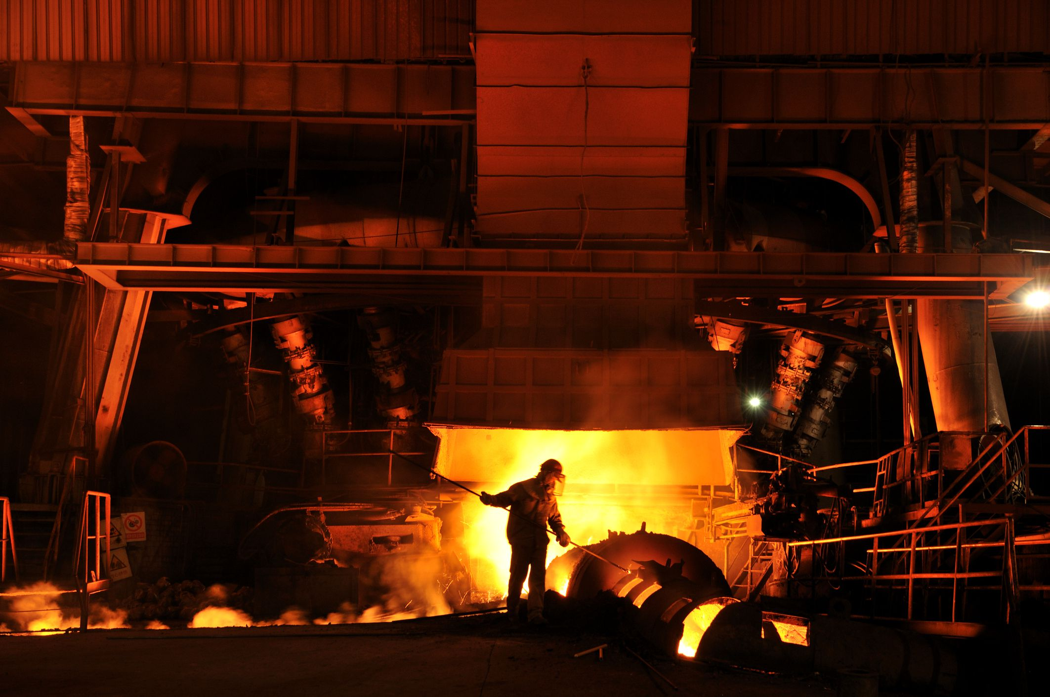 steel industry analysis posco vs u s The american iron and steel industry is a dynamic part of the us economy, accounting for more than $520 billion in economic output and nearly two million jobs in 2017 when considering the direct, indirect (supplier) and induced impacts.