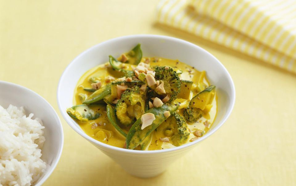Yellow vegetarian Thai curry recipe