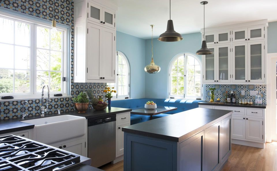 37 colorful kitchens to brighten your cooking space for Show me the color green