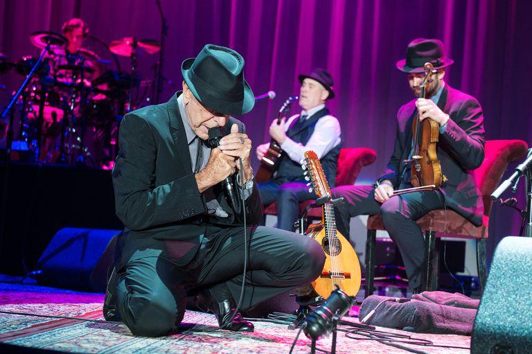 Leonard Cohen performs in Paris in 2013