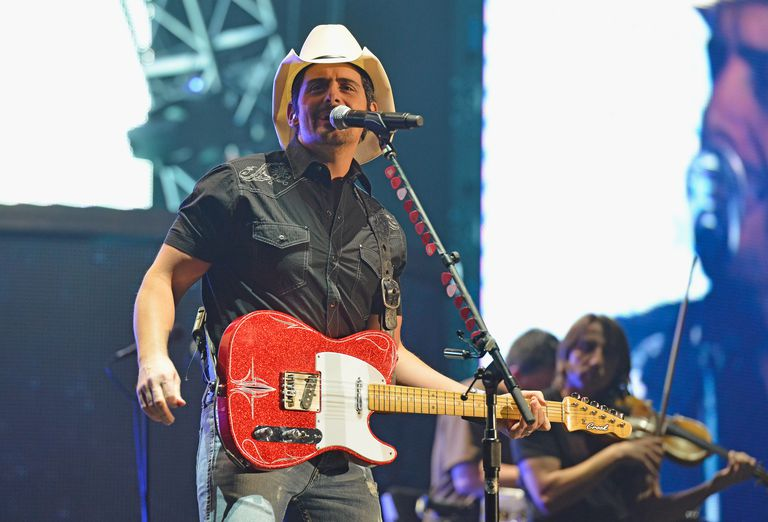 Brad Paisley In Concert - Youngstown, Ohio
