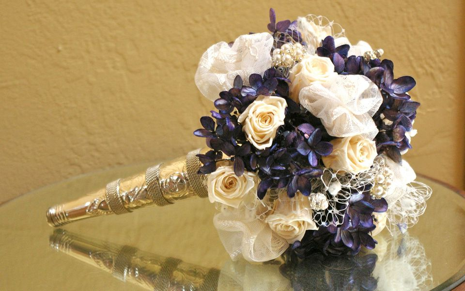 tussy mussy bridal bouquet