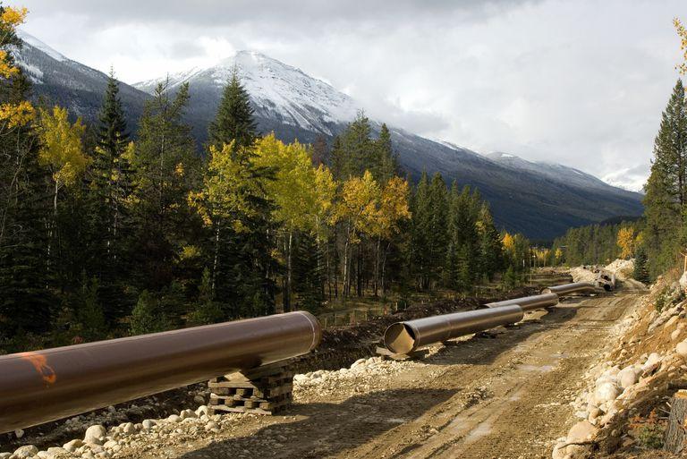 Pipeline_RobertMcGouey_AllCanadaPhotos.jpg