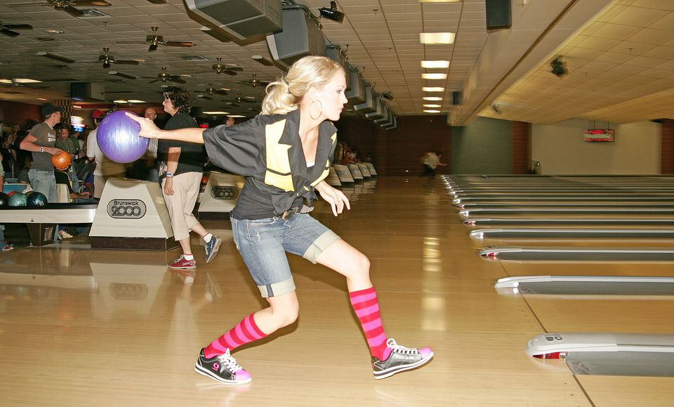 Carrie Underwood bowling at the Hermitage Lanes