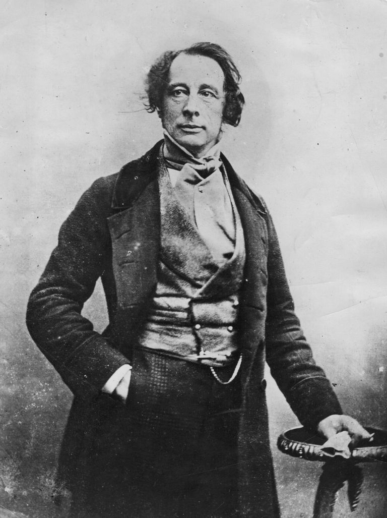 charles dickens a biography Charles dickens was a prolific and highly influential 19th century british author, who penned such acclaimed works as 'oliver twist,' 'a christmas carol,' 'david copperfield' and 'great expectations'.