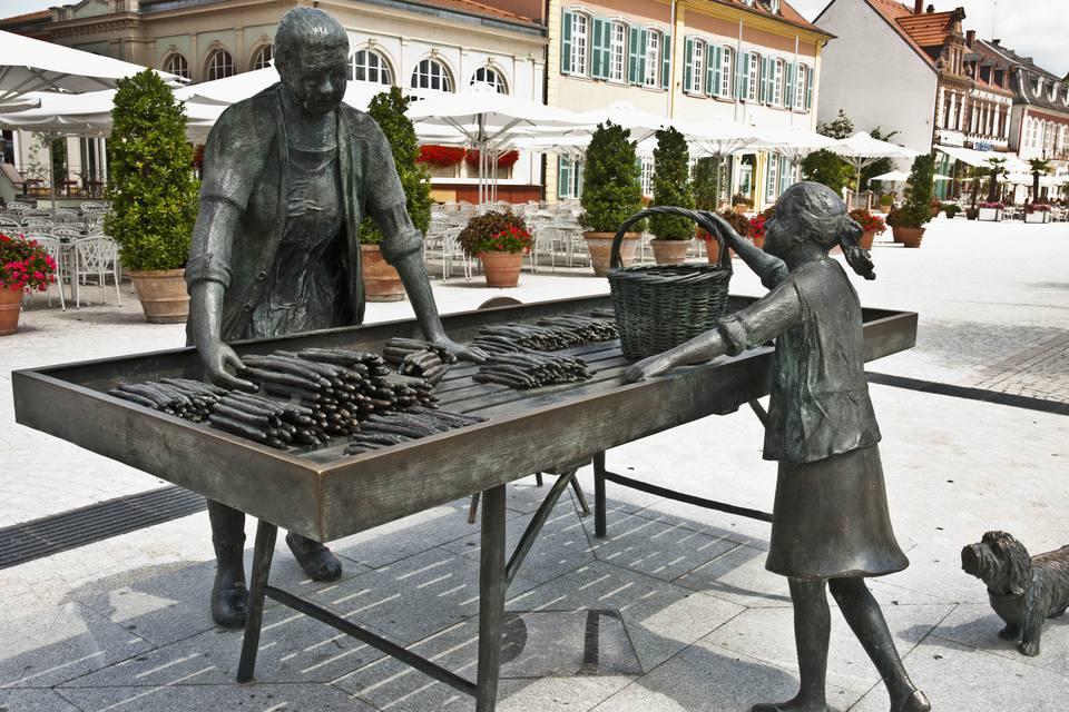 Spargel bronze statue in Schwetzingen