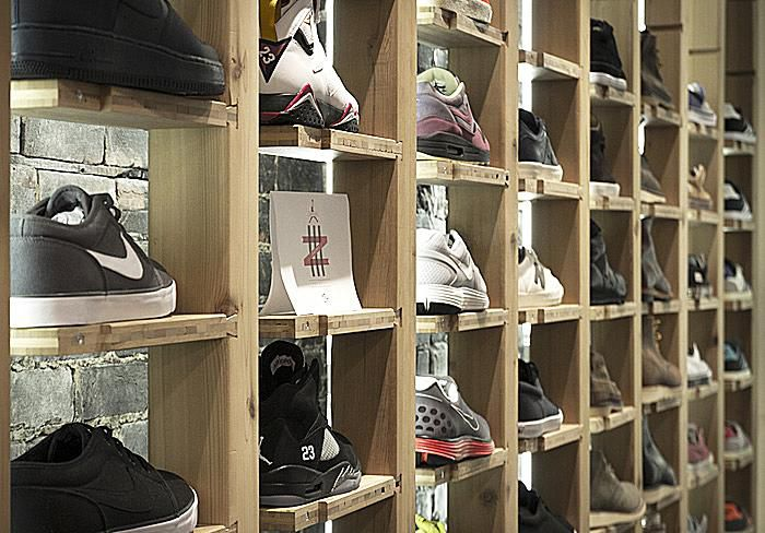 montreal sneaker stores. Black Bedroom Furniture Sets. Home Design Ideas