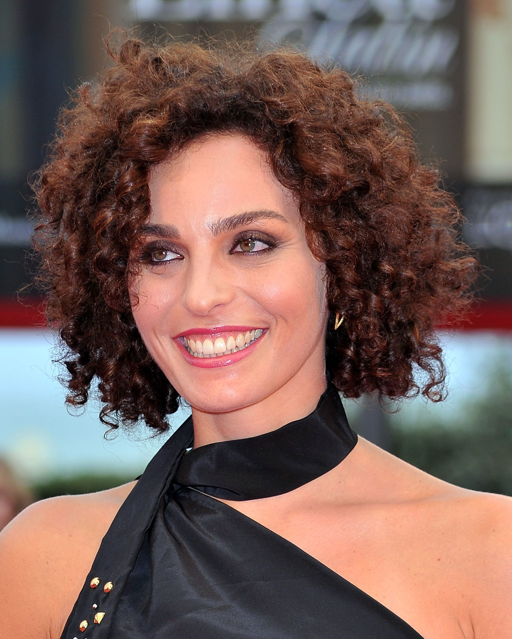 short, curly hairstyles that prove curly can go short