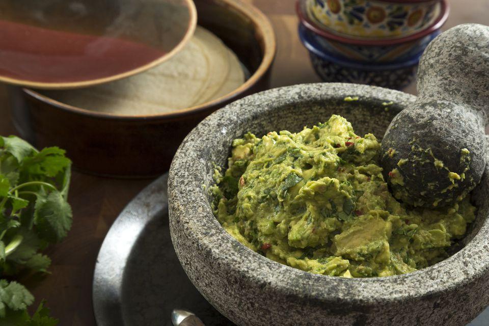 Guacamole in molcajete