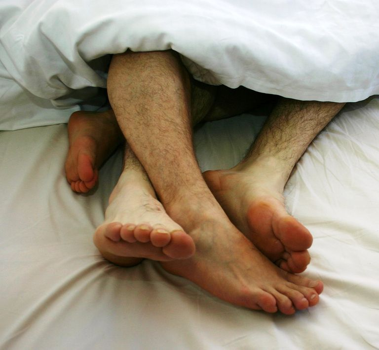 Used under a Creative Commons license at https://upload.wikimedia.org/wikipedia/commons/8/8a/Gay_Couple_togetherness_in_bed_01.jpg