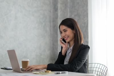 Receptionist Job Description Salary Skills And Resume