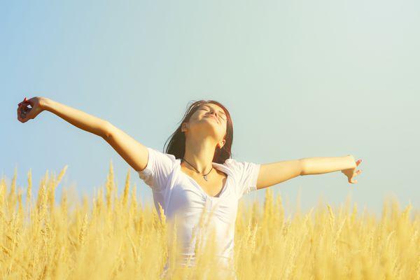 breathing-happiness-in-field.jpg