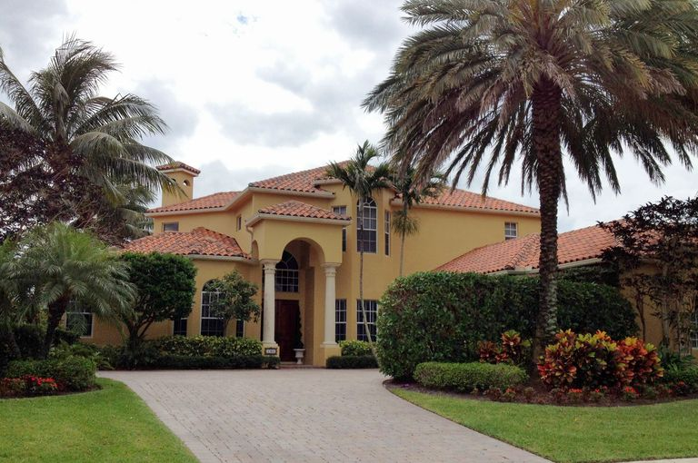 Mar a lago and other spanish house styles for Mediterranean style architecture characteristics