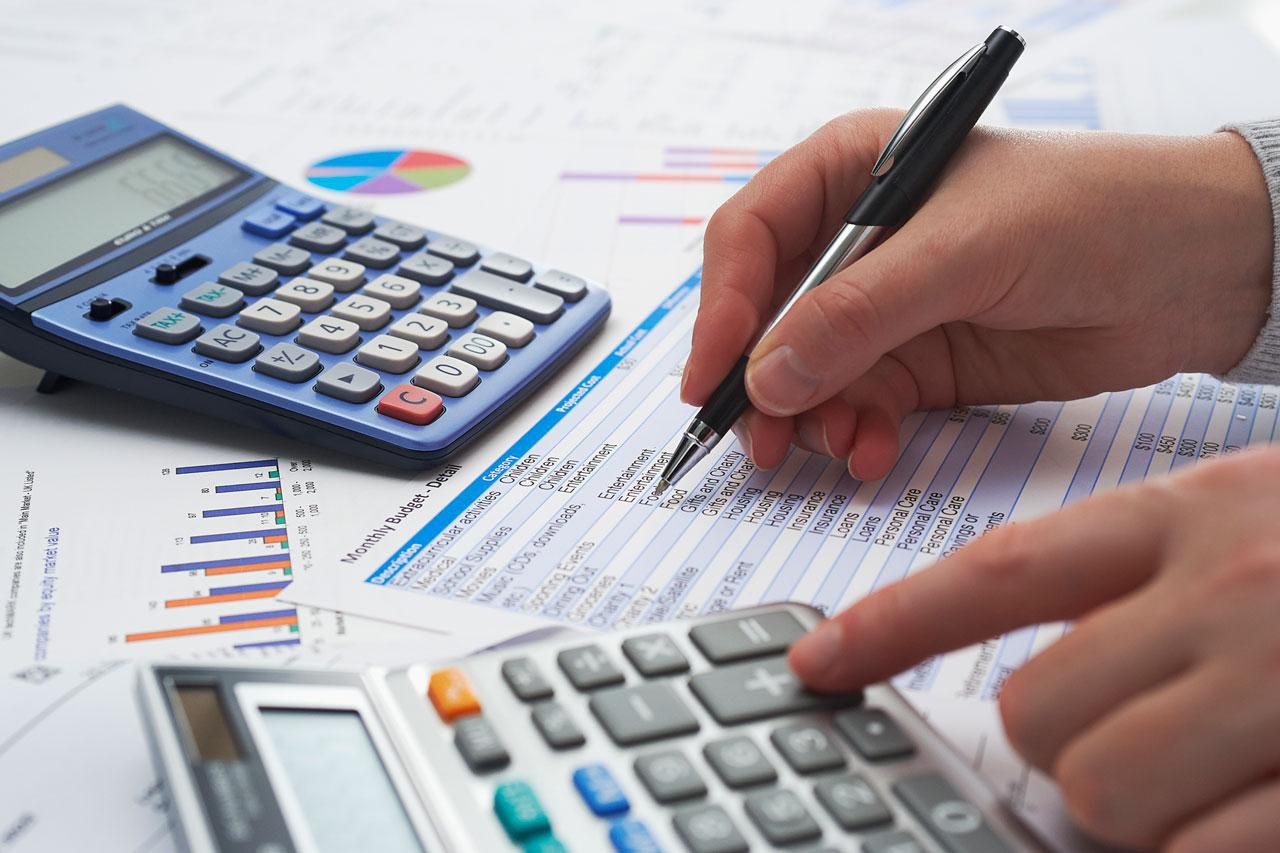 cost acounting Different costing methods cost accounting describes several different systems of approximating the cost of producing certain products in the manufacturing industry, or completing certain jobs in the service industry.