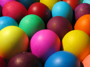 11 beautiful and free easter desktop wallpapers bright easter eggs easter wallpaper voltagebd Images