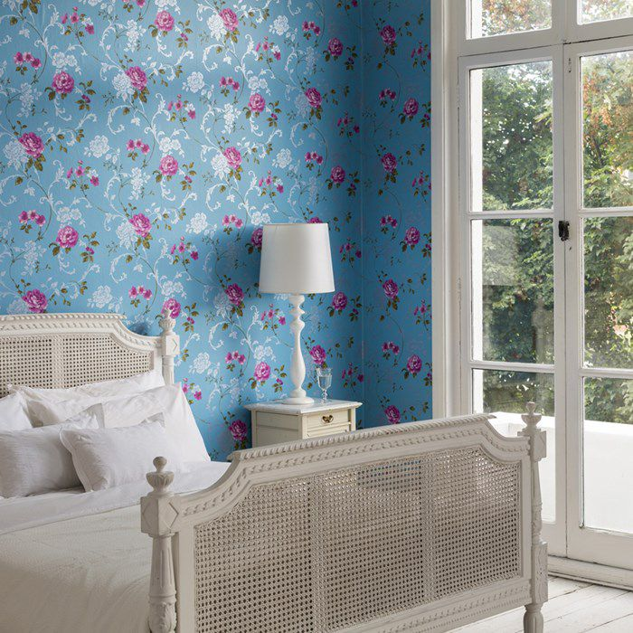 6 Fabulous Wallpapered Bedrooms