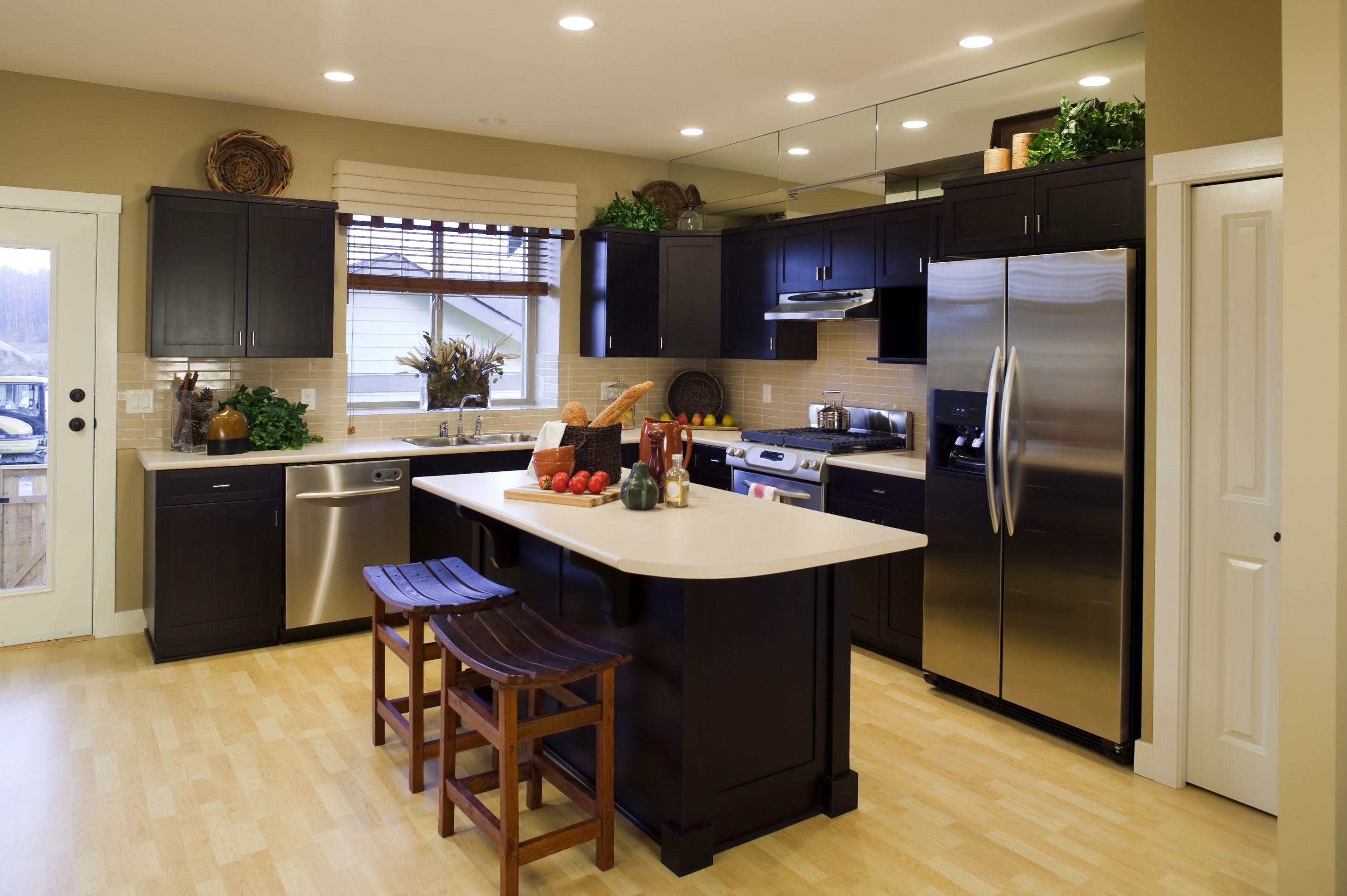 can laminate flooring be used in kitchens. Black Bedroom Furniture Sets. Home Design Ideas