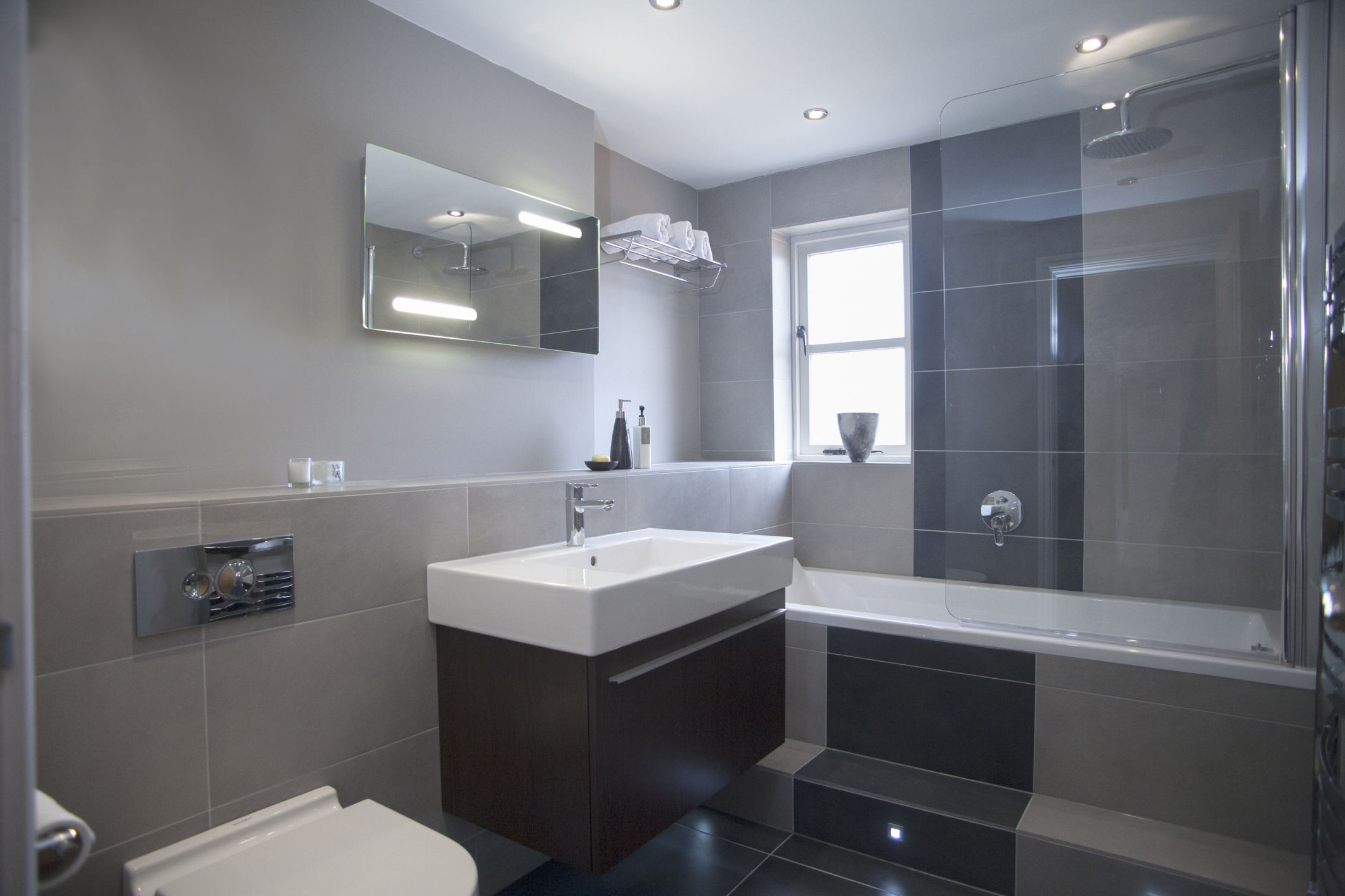 Wainscot bathroom pictures - Wainscot Bathroom Pictures 29