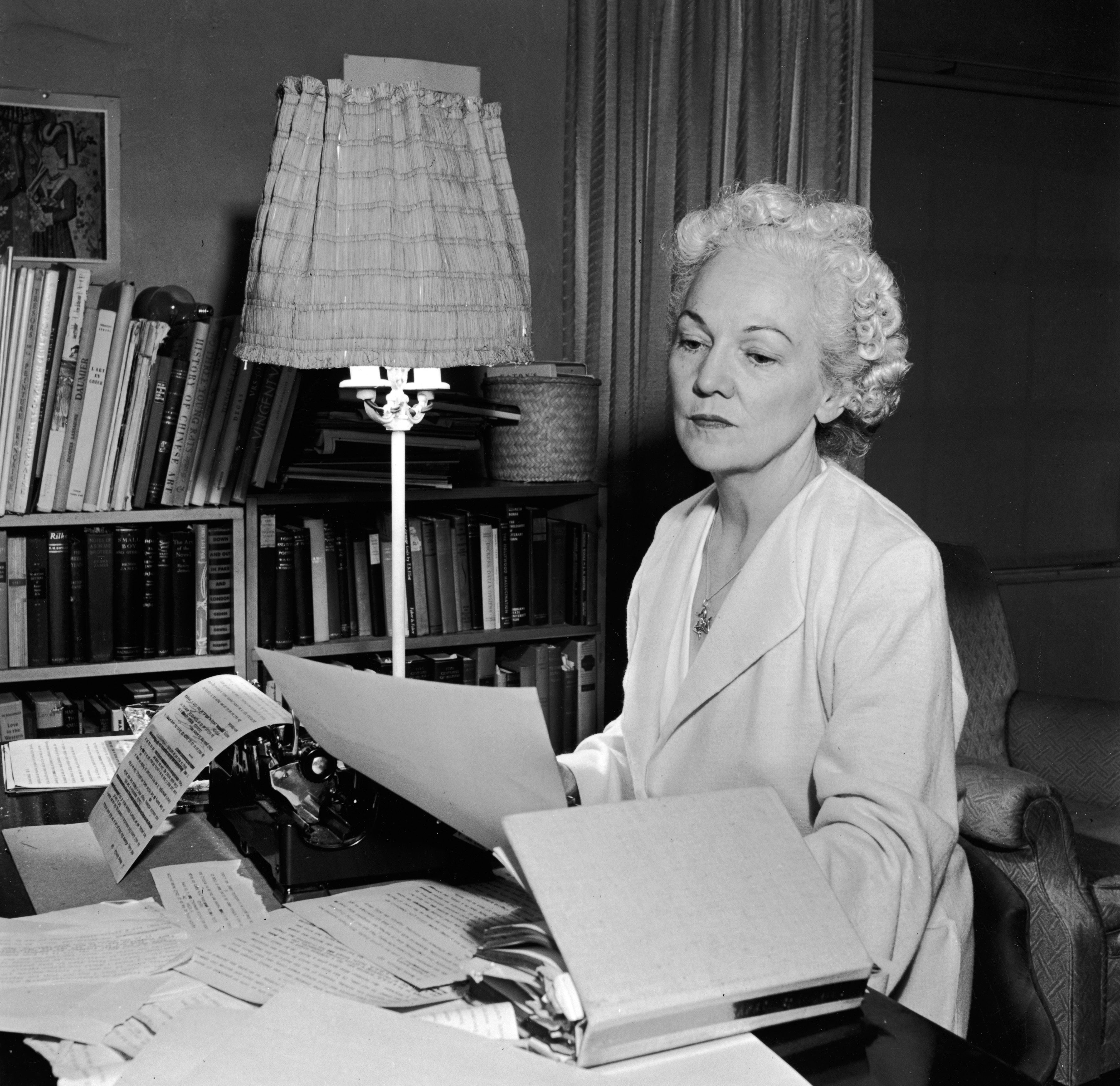 katherine anne porter Katherine anne porter, writer: ship of fools american writer and novelist  katherine anne porter was born at indian creek, tx, in 1890 she was raised in  texas.