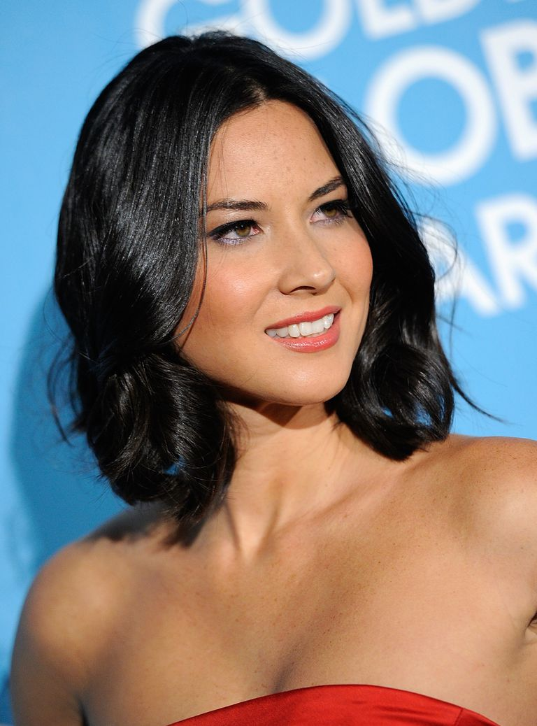 35 Flattering Hairstyles For Round Faces