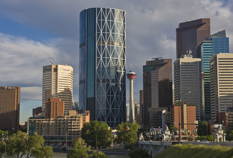 High-Tech Buildings by Sir Norman Foster, Pritzker Prize Laureate The 2013 curved skyscraper in Calgary, Canada, is named for The Bow river.